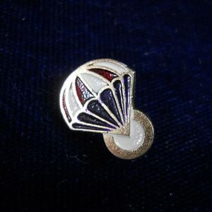 Jewelry - Parachute pin